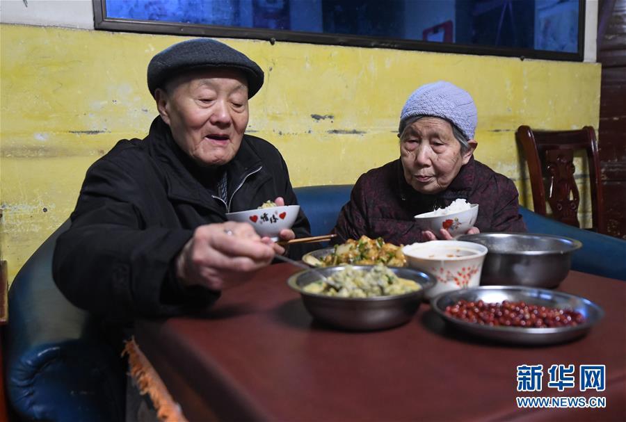 (新华全媒头条·图文互动)(5)英雄无言——95岁老党员张富清的本色人生